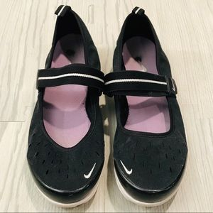 Women's Nike Free Mary Jane SI Approx size 9